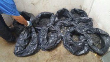 Σακούλες με μπάζα μετά από απόφραξη